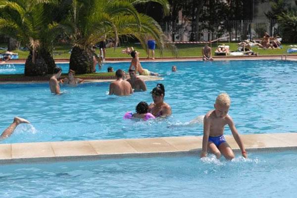 Camping Santa Elena Ciutat piscina