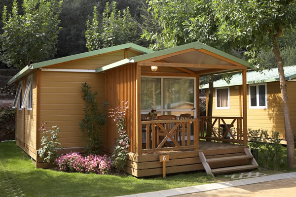 Camping Bassegoda detalle bungalow