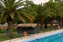 Ciudad de Caceres. Camping with pools to visit the city