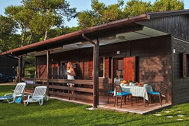 Baia Domizia. Quality camping with bungalows in Campania.
