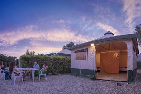/campings/espana/andalucia/almeria/cabo-de-gata/LosEscullos/los-escullos-8.jpg