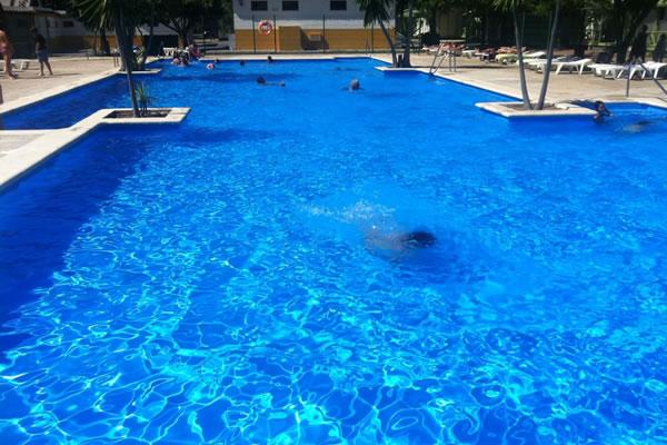 Camping Roche piscina