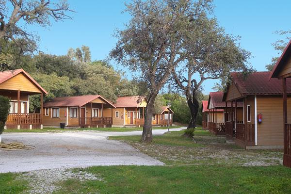 Camping La Buganvilla zona bungalows