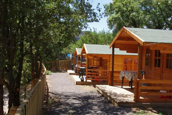 Camping Isabena bungalows