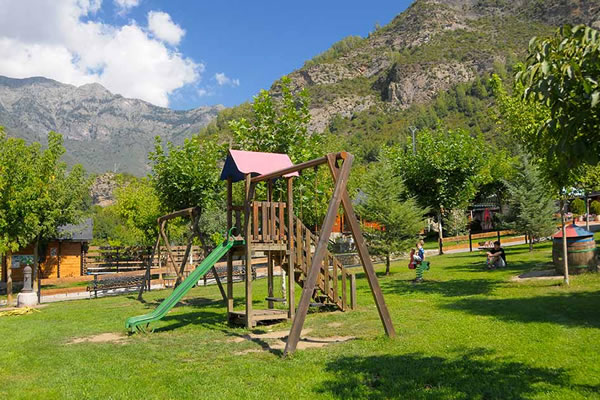 campings/espana/aragon/huesca/pirineo-oriental/la-borda-d-arnaldet-11.jpg