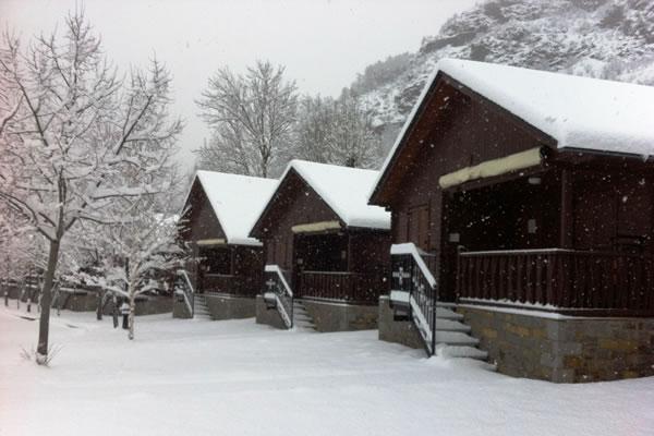 Camping La Borda d'Arnaldet bungalows invierno