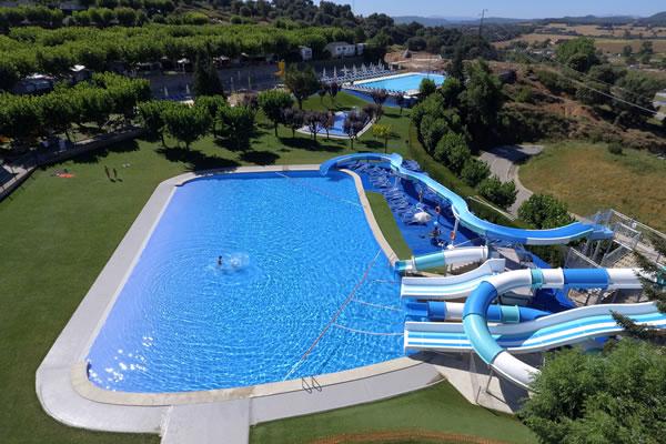 Camping berga resort en berga gu a vayacamping - Camping piscina climatizada catalunya ...