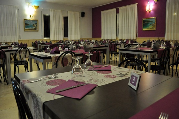 /campings/espana/catalunya-cataluna/girona/costa-brava-centro/MasPatoxas/restaurant-custom-1280x720.jpg