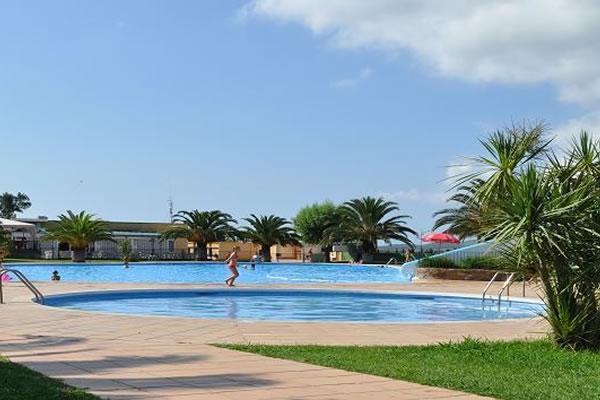 Camping Mas Patoxas piscinas