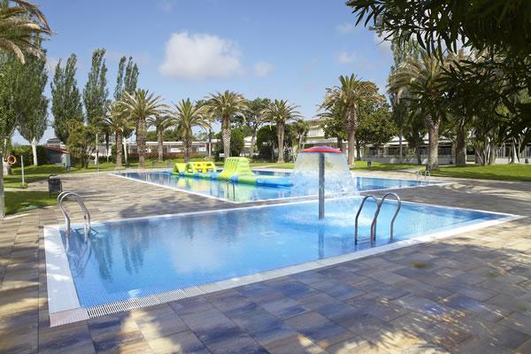 Camping Valldaro piscinas