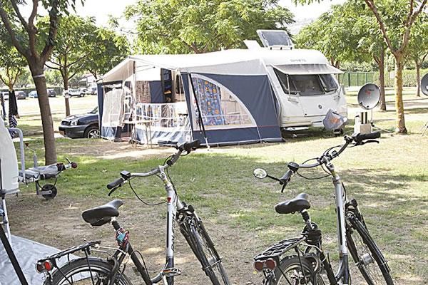 Camping Valldaro parcela caravana