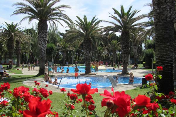 Camping Valldaro vista piscinas