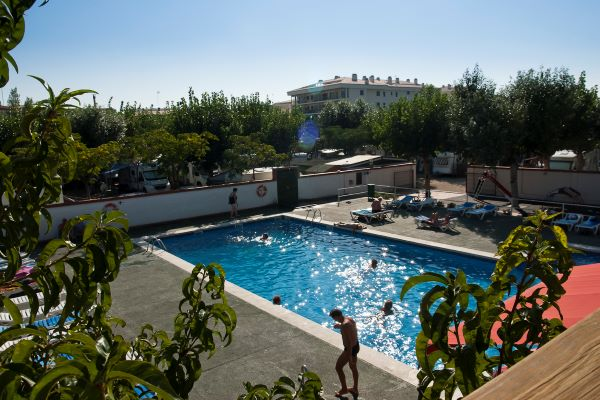 /campings/espana/catalunya-cataluna/girona/costa-brava-norte/JoncarMar/piscina-2.jpg