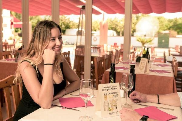 /campings/espana/catalunya-cataluna/girona/costa-brava-norte/JoncarMar/restaurant.jpg