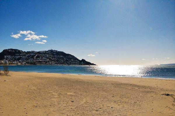 /campings/espana/catalunya-cataluna/girona/costa-brava-norte/JoncarMar/roses-platja-camping.jpg