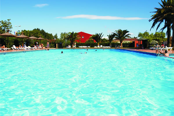 Camping Mas Nou piscina