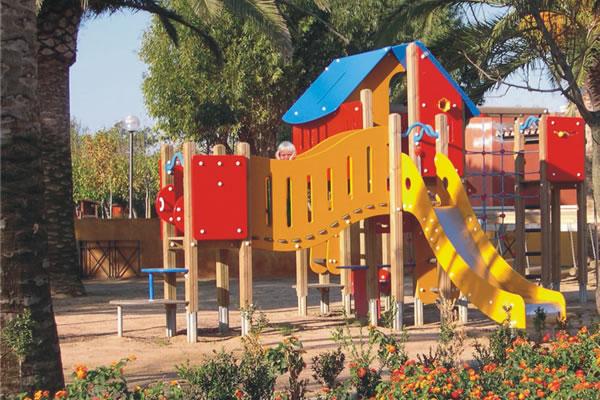 Camping Mas Nou parque infantil