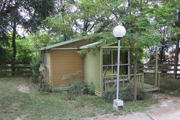 Camping Besalu bungalow