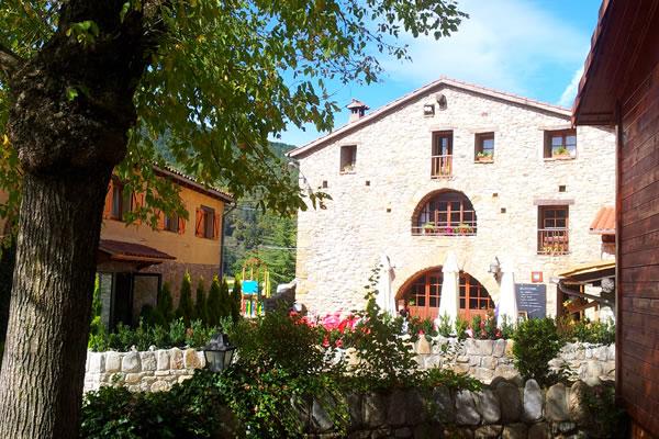 campings/espana/catalunya-cataluna/girona/pirineo/els-roures-4.jpg