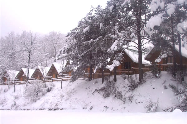 Camping Vall de Ribes bungalows invierno