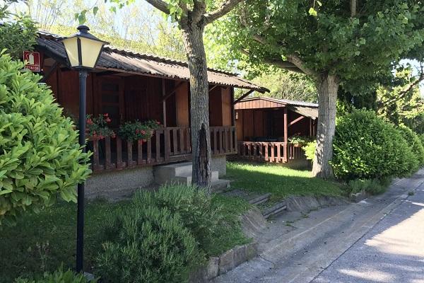 /campings/espana/catalunya-cataluna/lleida/lleida/ElSolsons/bungalows-solsones-1.jpg