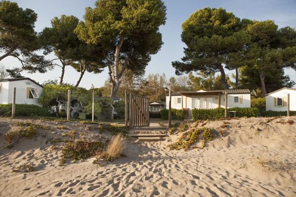 Camping Las Palmeras Tarragona bungalows playa
