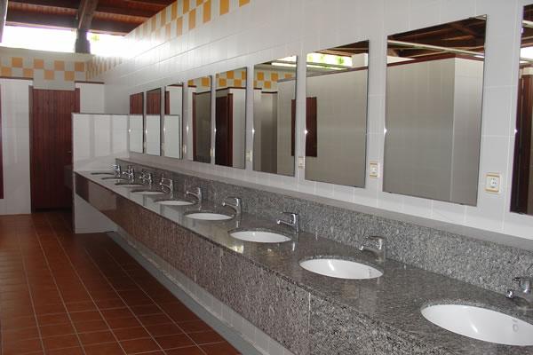 Camping Sirena Dorada lavabos