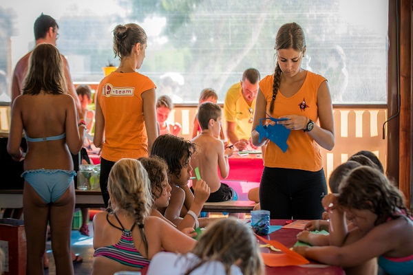 /campings/espana/catalunya-cataluna/tarragona/delta-del-ebro/Ametlla/kids-animation-010816-38.jpg