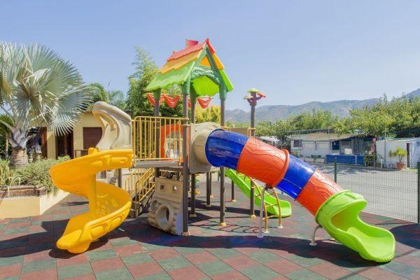 /campings/espana/comunidad-valenciana/alicante/costa-blanca-norte/Armanello/parque-infantil-barco-pirata-camping-armanello-1024x682.jpg