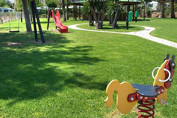 Camping Villasol Benidrom parque infantil