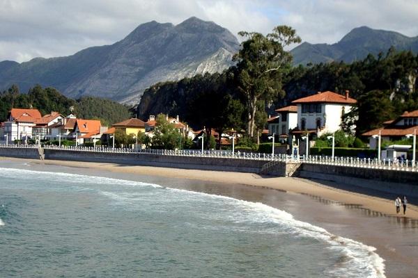 /campings/espana/principado-de-asturias/asturias/costa-verde-este/Ribadesella/playa-santa-marina-camping-ribadesella.jpg