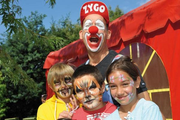 /campings/francia/aquitania/landas/Azurivage/animation-clown.jpg