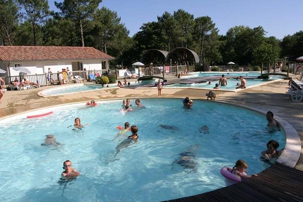 /campings/francia/aquitania/landas/Azurivage/espace-aquatique-camping-landes.jpg