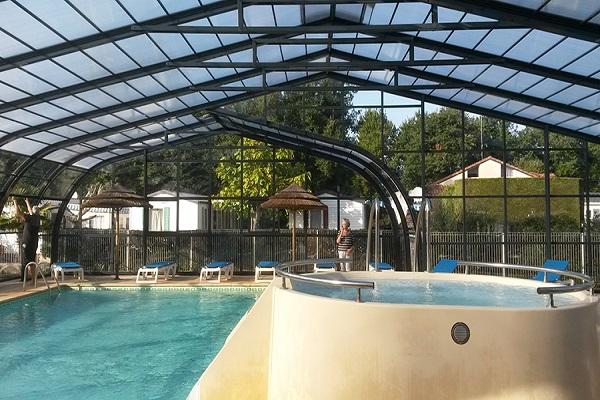 /campings/francia/aquitania/landas/LesPetitsEcureuils/camping-biscarrosse-camping-les-petits-ecureuils-page-photos-la-piscine-photo16.jpg