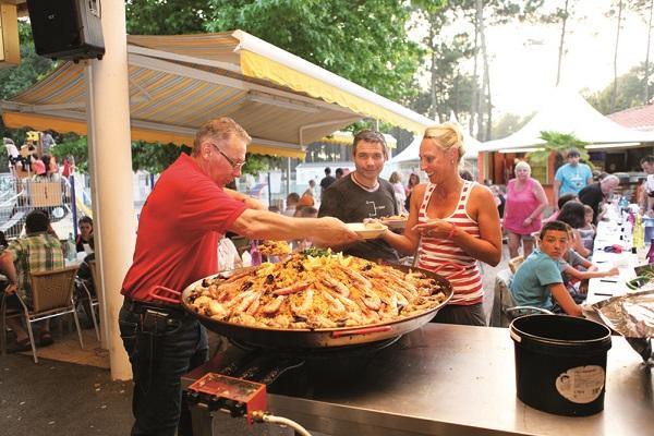 /campings/francia/aquitania/landas/LouPignada/bar-restau-1.jpg