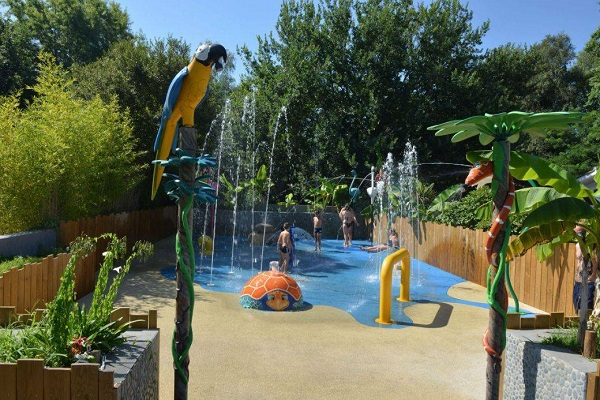 /campings/francia/aquitania/landas/VillageTropicalSenYan/aquatoon-parc-ludique-enfants.jpg