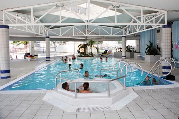 Camping Le Saint Martin Moliets piscina cubierta