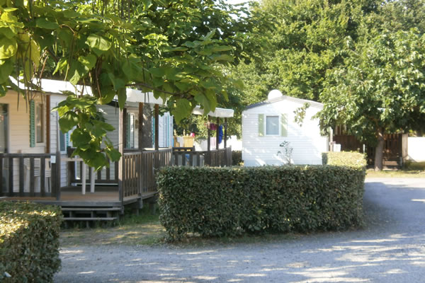 Camping Les Petits Ecureuils bungalows