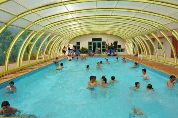Camping Sen Yan piscina cubierta