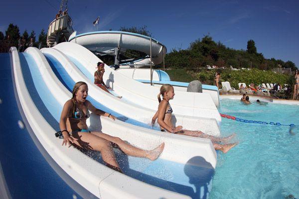 /campings/francia/aquitania/pirineos-atlanticos/ItsaMendi/vacances-pays-basque-piscine.jpg