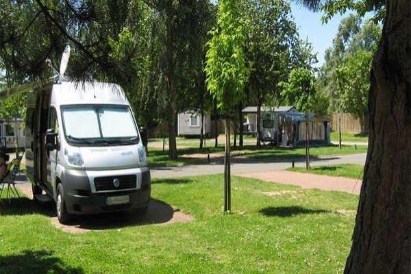 /campings/francia/ile-de-france/sena-y-marne/InternationaldeJablines/camping-emplacements-jablines.jpg