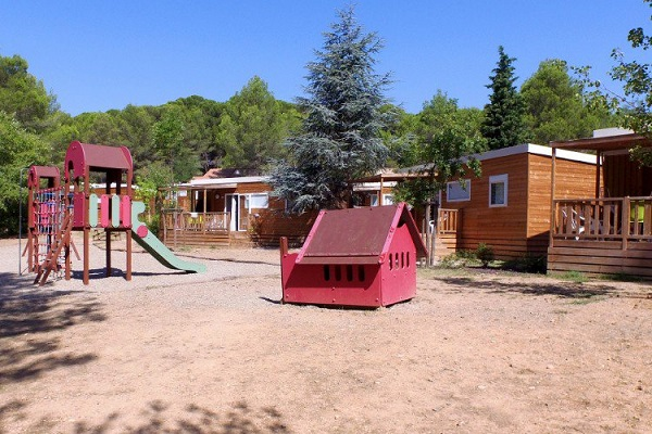 /campings/francia/languedoc-rosellon/herault/Villageleclosdescigales/camping-montagnac-les-vignes-1544533387-xl.jpg