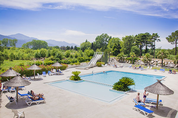 /campings/francia/languedoc-rosellon/pirineos-orientales/LesPins/piscine-camping-argles-sur-mer.jpg