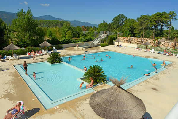 Camping Les Pins Argeles piscina