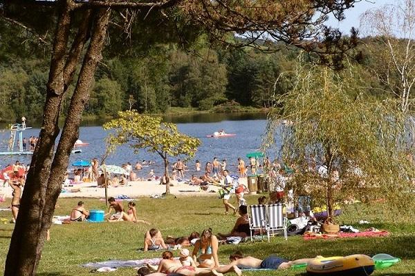campings/francia/lemosin/correze/camping-domaine-du-lac-de-miel-1482984462-xl.jpg