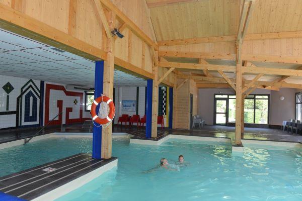 /campings/francia/midi-pirineos/altos-pirineos/AirotelPyrnes/piscine-couverte-airotel-pyrnes-5.jpeg
