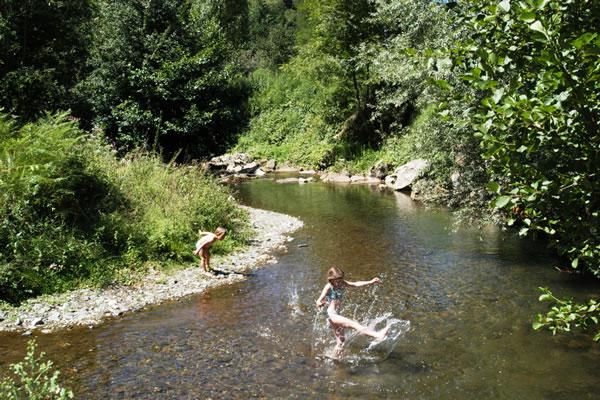 /campings/francia/midi-pirineos/ariege/Arize/l-arize-8.jpg