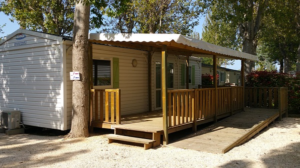 /campings/francia/provenza-alpes-costa-azul/var/AuFlamenco/mobil-home-pmr.jpg