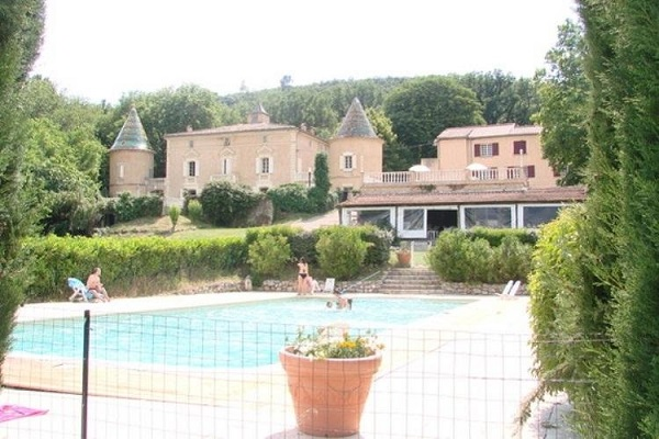 /campings/francia/provenza-alpes-costa-azul/var/chateaudeleouvriere/camping-chateau-de-l-eouviere-1483035676-xl.jpg