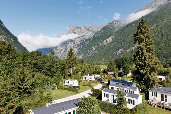 /campings/francia/rodano-alpes/Isere/ChateaudelaRochetaille/chateau-de-rochetaillee-1.jpg